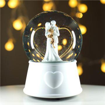 飘雪花水晶球八音盒音乐盒七夕情人节结婚创意礼物周年纪念品