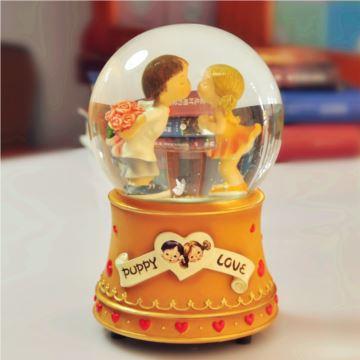台湾万山WAS旋转飘雪花亲吻水晶球八音盒音乐盒七夕情人节创意生日礼物