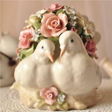 美国COSMOS陶瓷相亲相爱摆个音乐盒八音盒创意七夕情人节礼物结婚纪念品