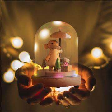 七彩灯旋转玻璃罩木质八音盒音乐盒天空之城创意生日情人节礼物送男女