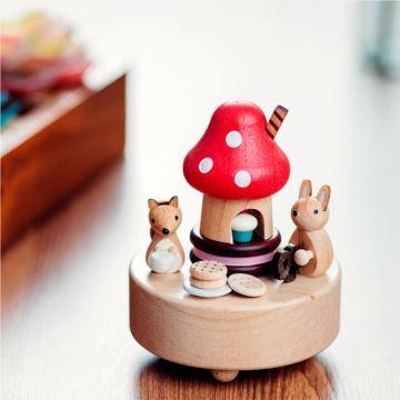 台湾Jeancard木质香菇老鼠旋转八音盒音乐盒创意生日情人节礼物特别