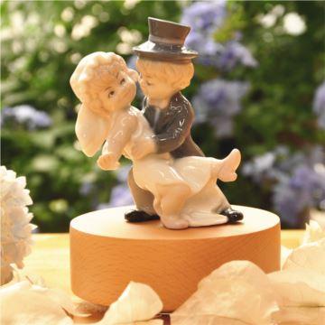 木质旋转八音盒音乐盒创意结婚情人节礼物送老婆女友女生求婚浪漫特别