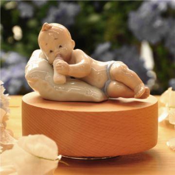 陶瓷旋转木质底座八音盒音乐创意生日新生儿礼物送孩子特别