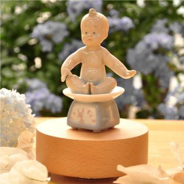 陶瓷旋转木质底座旋转八音盒音乐盒我长大了新生儿诞辰生日创意礼物