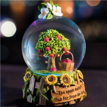 苹果雪花水晶球八音盒音乐盒情人节新年创意礼物送男女生特别天空之城
