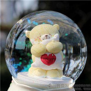 18音树脂胭脂熊旋转雪花水晶球八音盒音乐盒 送女友情人节礼物