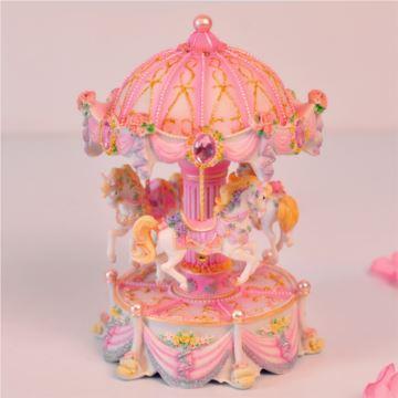 台湾万山粉色发光旋转木马音乐盒八音盒记忆创意送女生日特别礼物精品