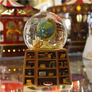 台湾万山WSA 旋转飘雪 花地球仪水晶球音乐盒 八音盒 WS09109 创意礼物