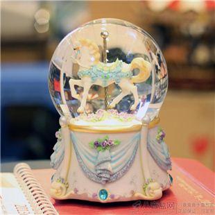 进口旋转木马水晶球八音盒音乐盒创意送男女生日圣诞特别礼物精品高档