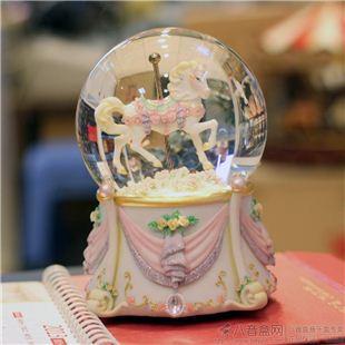 进口旋转木马水晶球八音盒音乐粉创意送女生日情人圣诞节特别礼物精品