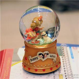 进口树脂木马旋转雪花水晶球八音盒音乐盒创意送男女生日儿童圣诞节礼物