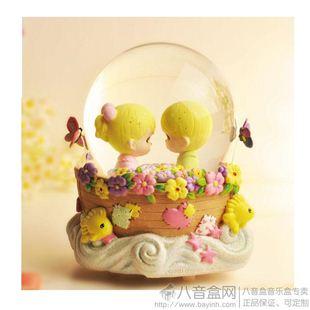 美国水滴娃娃Precious Moments18音情侣爱之舟旋转水晶球音乐盒八音盒带雪花 创意送女儿童生日礼物包