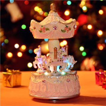 进口发光带灯旋转木马音乐盒八音盒创意送女生日结婚庆特别礼物精品