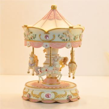 台湾可升降旋转木马音乐盒八音盒天空之城创意送女生日圣诞节礼物