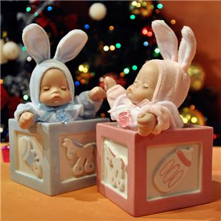 台湾万山18音陶瓷方形摇头娃娃音乐盒八音盒 创意生日儿童礼物
