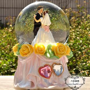 日本Sankyo18音树脂内旋转发光雪花音乐盒八音盒 情人节创意礼物婚庆礼品送女友老婆