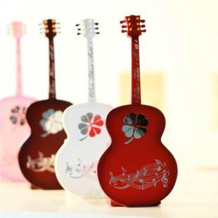 台湾万山幸运草图案吉他它八音盒音乐盒家居日用摆件创意生日礼物品送男女生