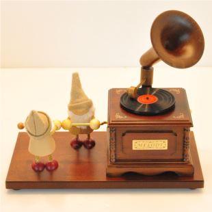 进口桧木木质木偶唱片机复古音乐盒八音盒 创意精品生日礼物品送男女生友 家居摆件