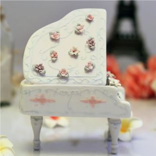 美国进口COSMOS陶瓷工艺品钢琴音乐盒八音盒 创意生日礼物品结婚庆家居摆件