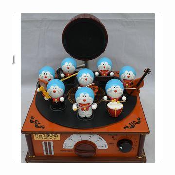 正品哆啦A梦机器猫公仔小叮当8人乐队电子式音乐盒八音盒 创意礼物精品