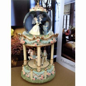 进口复古双层旋转木马水晶球音乐盒八音盒创意婚庆送女生日创意礼物精品