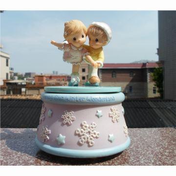 宝贝时光水滴娃娃溜冰旋转八音盒音乐盒创意送女生日特别礼物精品