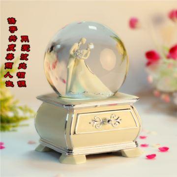 韵升飘雪花水晶球音乐盒八音盒创意结婚庆生日礼物情人节创意礼品