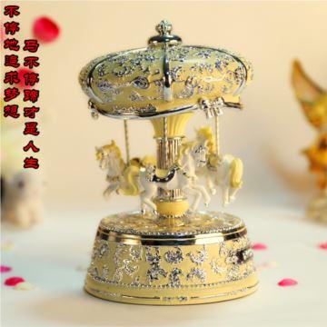 韵升树脂带灯发光旋转木马八音盒音乐盒创意结婚里物品送女生浪漫特别