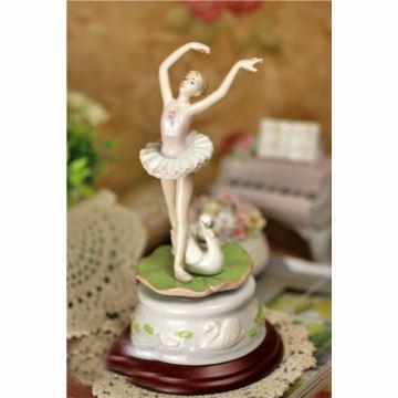美国cosmos陶瓷舞蹈摆件瓷偶八音盒音乐盒生日礼品芭蕾舞天鹅湖创意礼品