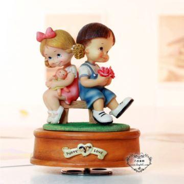 台湾WSA万山手捧花娃娃旋转摆饰音乐盒八音盒创意送女生日情人节礼物摆件