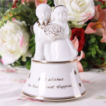 Sankyo18音陶瓷天使八音盒音乐盒创意生日创意礼物结婚庆礼品送女友
