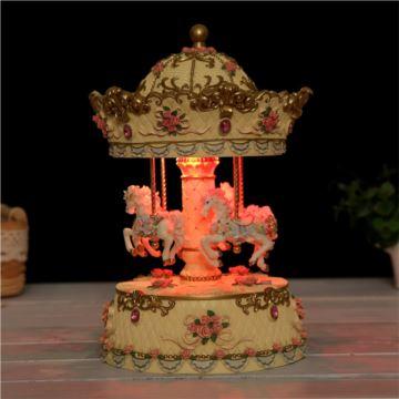 18音彩灯发光旋转木马八音盒音乐盒创意生日礼物送男女朋友家居摆件