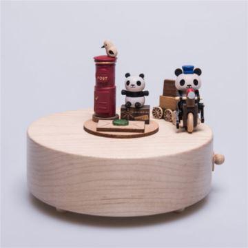台湾Jeancard熊猫送信枫木木质旋转八音盒音乐盒创意生日情人节礼物