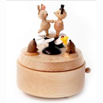 台湾jeancard小鹿兔子跳舞音乐盒木质旋转八音盒创意生日礼物送爱人闺蜜