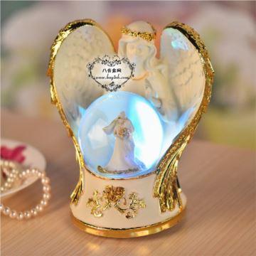 天使之翼水晶球音乐盒七彩灯光八音盒创意女生婚庆生日情人节礼物品