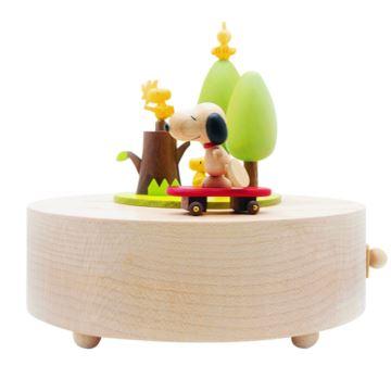 台湾Jeancard木质旋转snoopy史努比滑板车小狗八音盒音乐盒创意礼物
