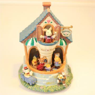 幼儿园旋转别墅音乐盒兔子熊宝宝萌猪仔八音盒创意生日礼物送儿童毕业礼物女生小朋友