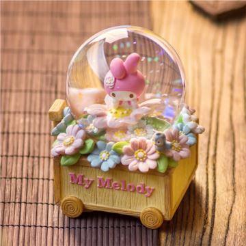 HelloKitty花园小车飘亮片雪花水晶球八音盒音乐盒生日情人节创意礼物